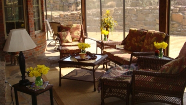 Screen enclosed outdoor living room