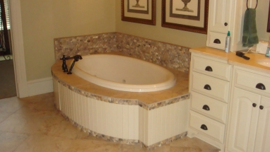 Tub with Trim